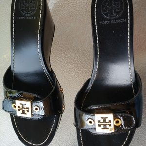 Tory Burch Black Sandles Leather Wedges Gold 6 M